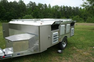 8-Hole Trailer With 2 Closets